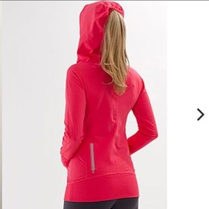 Lululemon Run: Ambition Pullover- Passion